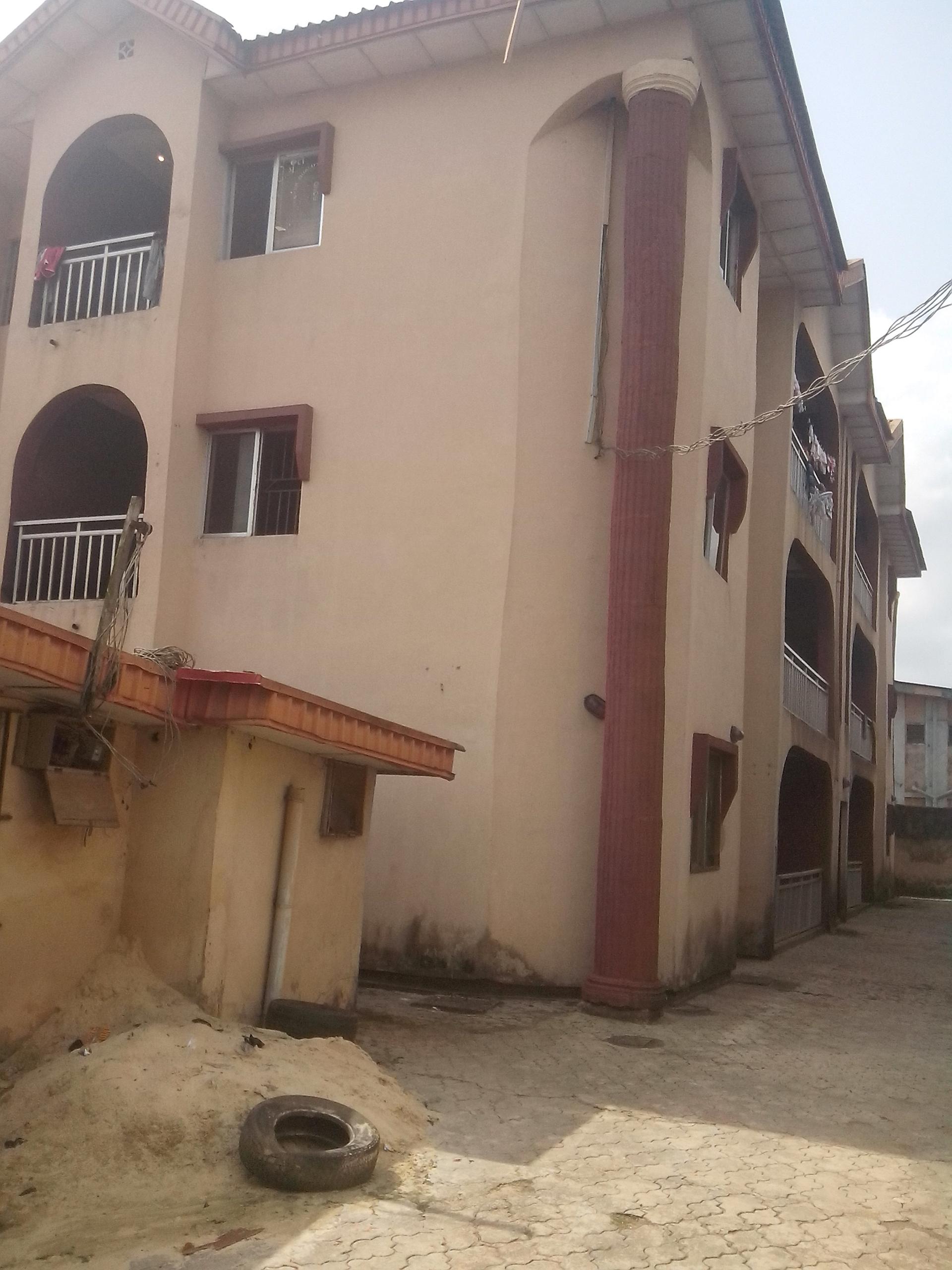Rent 3Bedroom flat in Ikotun