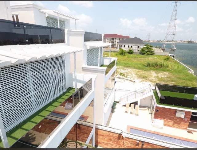 Luxury water front 5bedroom detached house with bq Banana Island