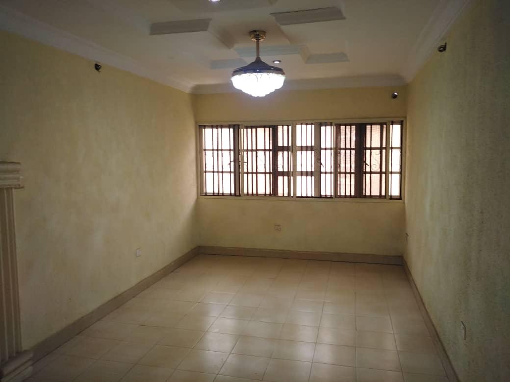 FOR SALE 4 bedroom duplex